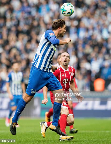 Niklas Stark of Hertha BSC is challenged by Franck Ribery of FC Bayern Muenchen during the Bundesliga match between Hertha BSC and FC Bayern Muenchen...