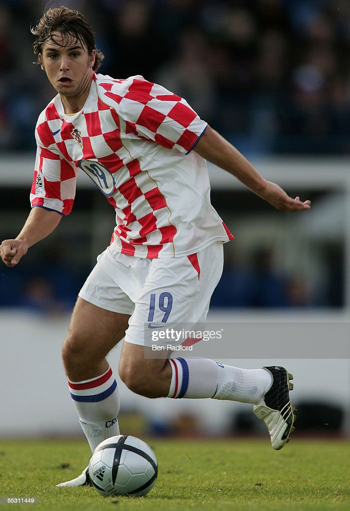 Niko Kranjcar of Croatia in action during the 2006 World Cup qualifying match between Iceland and Croatia at Laugardalsvollur Stadium on September 3, 2005, in Reykjavik, Iceland.
