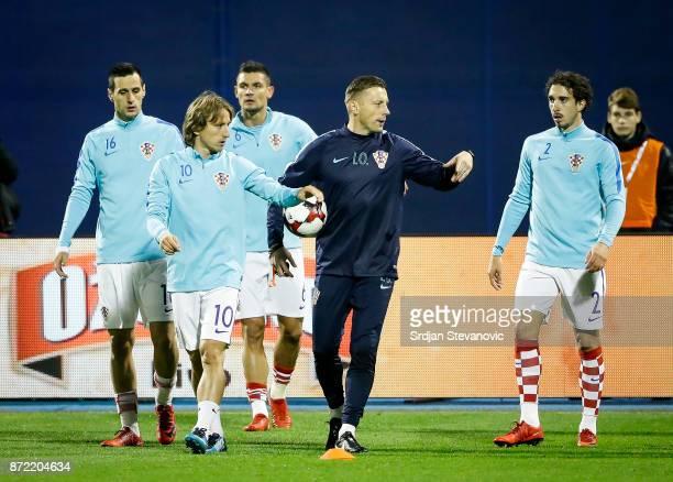 Nikola Kalinic Luka Modric Matej Mitrovic and Sime Vrsaljko of Croatia warm up prior to the FIFA 2018 World Cup Qualifier PlayOff First Leg between...