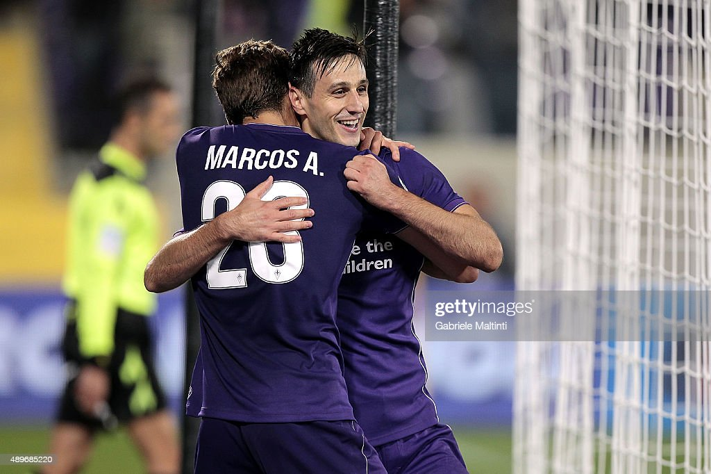 Nikola Kalinic of ACF Fiorentina celebrates after scoring a goal during the Serie A match between ACF Fiorentina and Bologna FC at Stadio Artemio Franchi on September 23, 2015 in Florence, Italy.