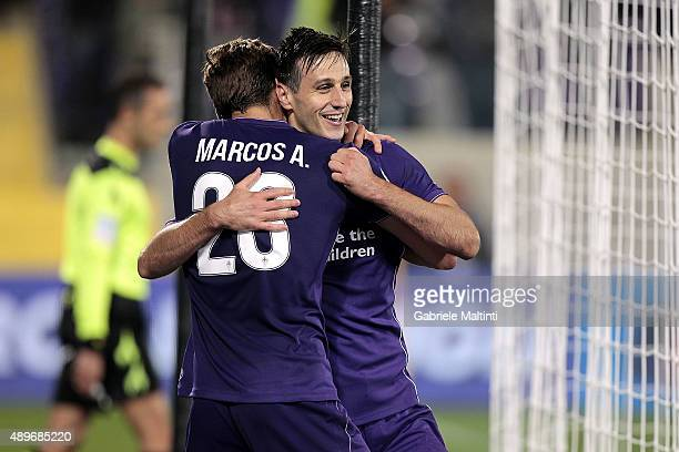 Nikola Kalinic of ACF Fiorentina celebrates after scoring a goal during the Serie A match between ACF Fiorentina and Bologna FC at Stadio Artemio...