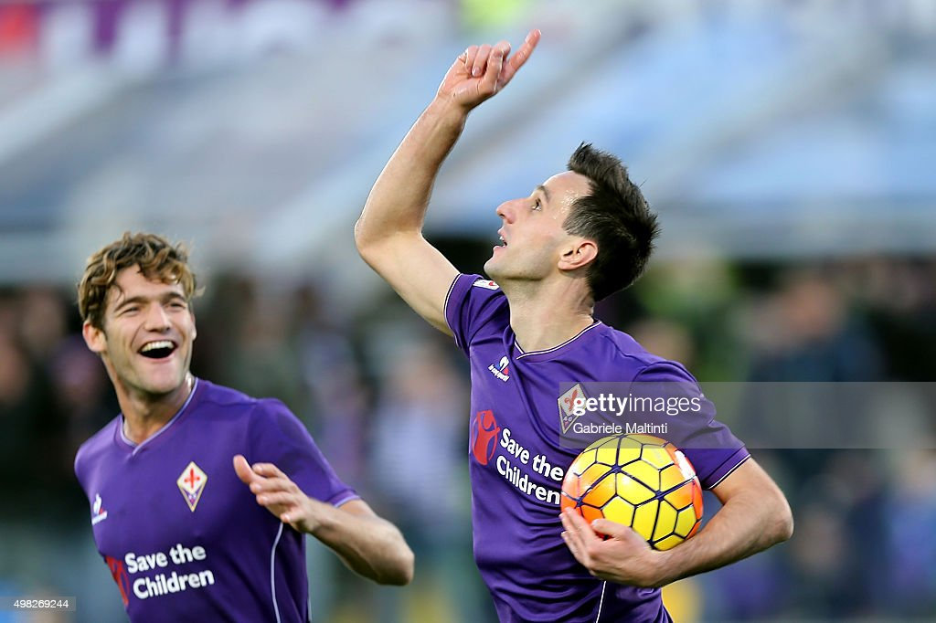 Nikola Kalinic of ACF Fiorentina celebrates after scoring a goal during the Serie A match between ACF Fiorentina and Empoli FC at Stadio Artemio Franchi on November 22, 2015 in Florence, Italy.