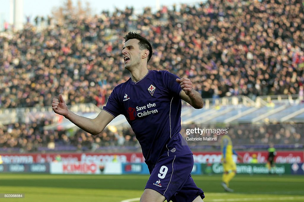 Nikola Kalinic of ACF Fiorentina celebrates after scoring a goal during the Serie A match between ACF Fiorentina and AC Chievo Verona at Stadio Artemio Franchi on December 20, 2015 in Florence, Italy.