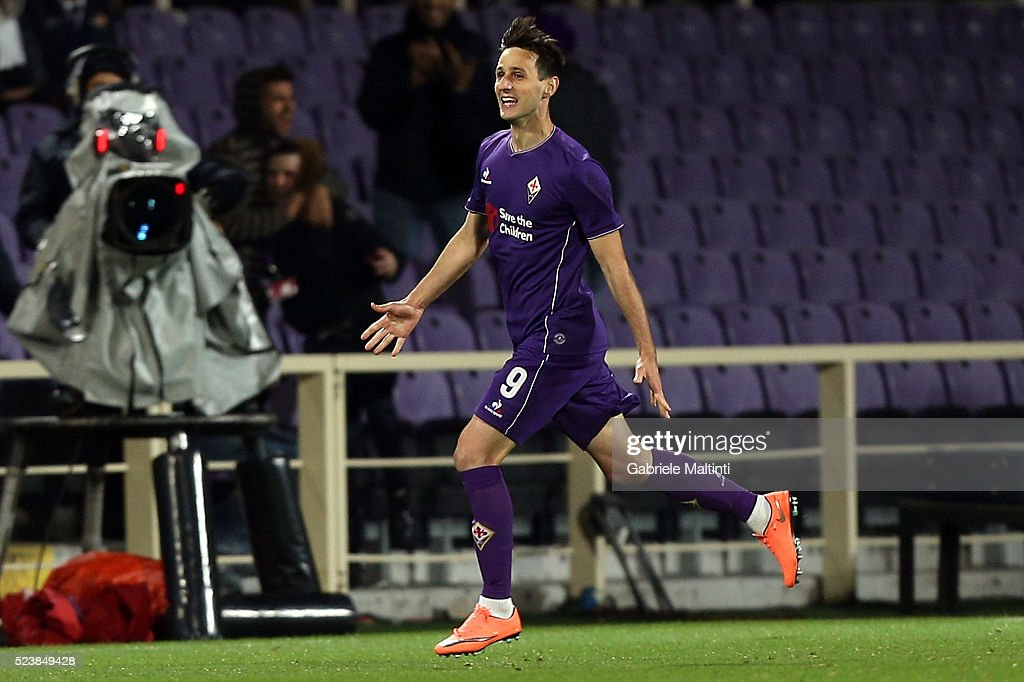 Nikola Kalinic of ACF Fiorentina celebrates after scoring a goal during the Serie A match between ACF Fiorentina and Juventus FC at Stadio Artemio Franchi on April 24, 2016 in Florence, Italy.