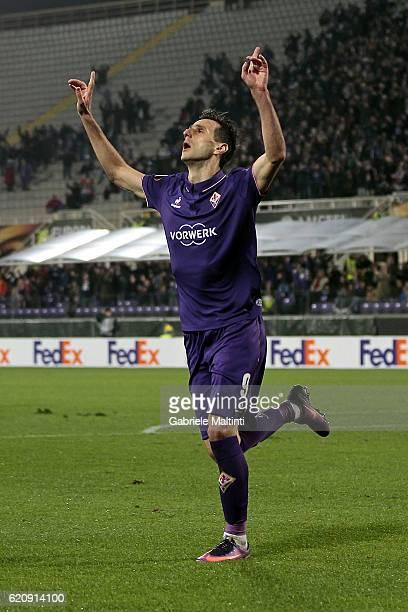 Nikola Kalinic of ACF Fiorentina celebrates after scoring a goal during the UEFA Europa League match between ACF Fiorentina and FC Slovan Liberec at...