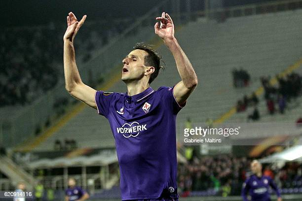 Nikola Kalinic of ACF Fiorentina celebrates after scoring a goal during the UEFA Europa League match between ACF Fiorentina and FC Slovan Liberec at...