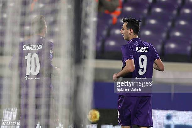 Nikola Kalinic of ACF Fiorentina celebrates his goal during the Serie A match between ACF Fiorentina and US Sassuolo at Stadio Artemio Franchi on...