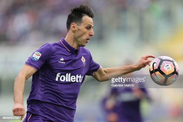 Nikola Kalinic of ACF Fiorentina in action during the Serie A match between ACF Fiorentina and Empoli FC at Stadio Artemio Franchi on April 15 2017...