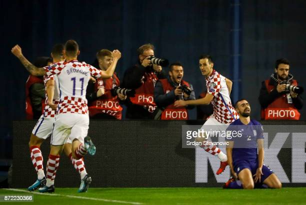 Nikola Kalinic of Croatia celebrates scoring a goal during the FIFA 2018 World Cup Qualifier PlayOff First Leg between Croatia and Greece at Stadion...