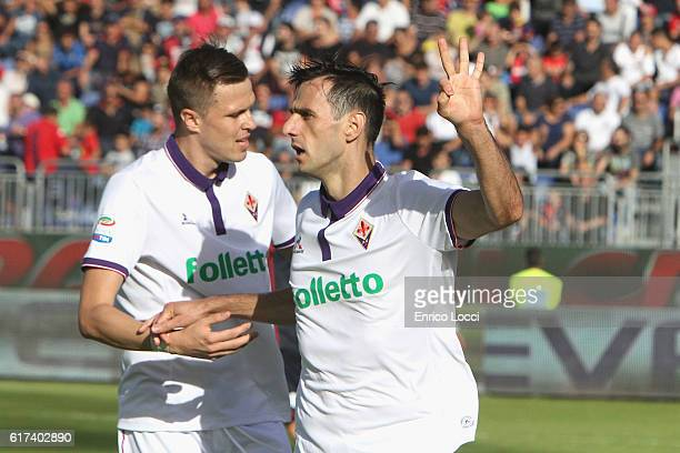 Nikola Kalinic of Fiorentina celebrates the goal 15 during the Serie A match between Cagliari Calcio and ACF Fiorentina at Stadio Sant'Elia on...
