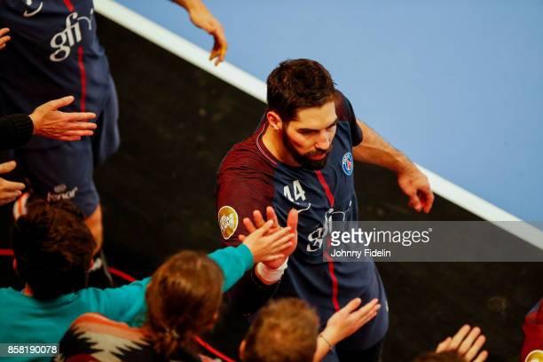 Nikola Karabatic of PSG salutes the crowd after the Lidl Starligue match between Paris Saint Germain and Saint Raphael on October 5 2017 in Paris...