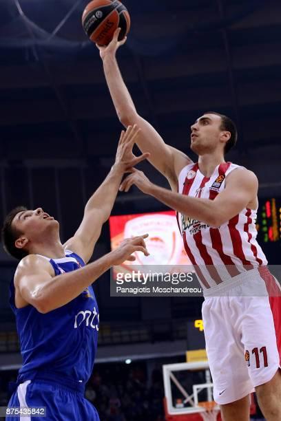 Nikola Milutinov #11 of Olympiacos Piraeus in action during the 2017/2018 Turkish Airlines EuroLeague Regular Season Round 8 game between Olympiacos...