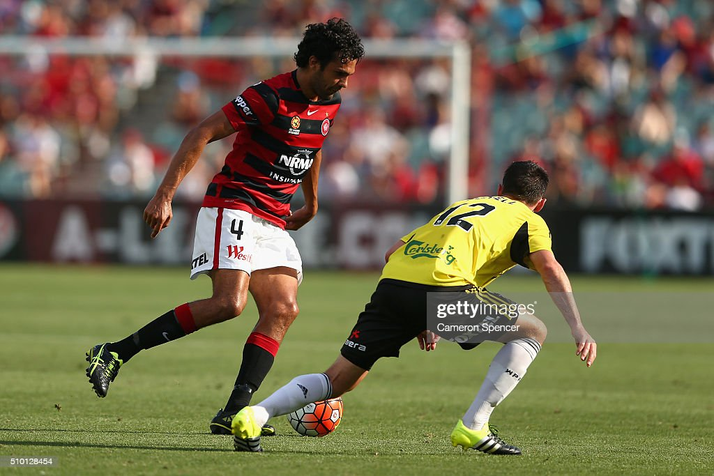 <a gi-track='captionPersonalityLinkClicked' href=/galleries/search?phrase=Nikolai+Topor-Stanley&family=editorial&specificpeople=2517636 ng-click='$event.stopPropagation()'>Nikolai Topor-Stanley</a> of the Wanderers dribbles the ball during the round 19 A-League match between the Western Sydney Wanderers and the Wellington Phoenix at Pirtek Stadium on February 14, 2016 in Sydney, Australia.
