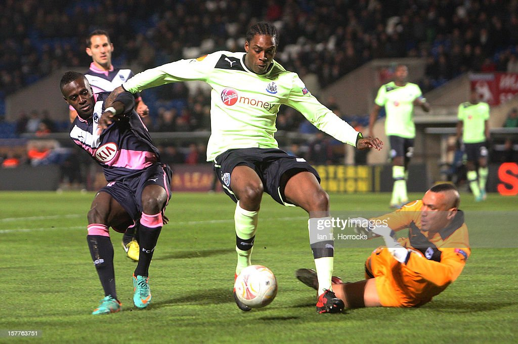 Nile Ranger breaks into the Bordeaux box during the UEFA Europa League group stage match between Girondins de Bordeaux and Newcastle United FC at the...
