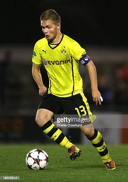 Nils Lennart Dietz of Borussia Dortmund looks to attack during the UEFA Youth League match between Arsenal U19 and Borussia Dortmund U19 at Meadow...