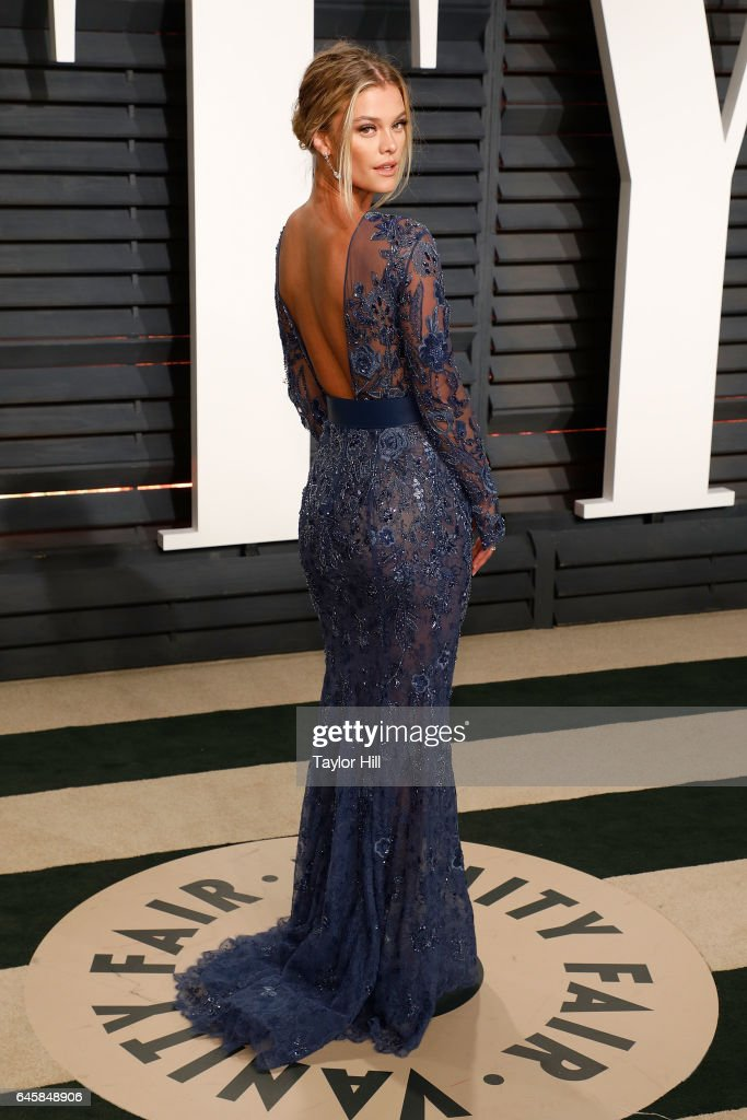 Nina Agdal attends the 2017 Vanity Fair Oscar Party at Wallis Annenberg Center for the Performing Arts on February 26, 2017 in Beverly Hills, California.