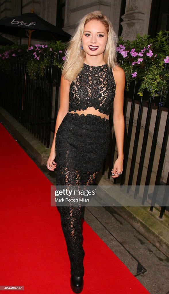 <a gi-track='captionPersonalityLinkClicked' href=/galleries/search?phrase=Nina+Nesbitt&family=editorial&specificpeople=8346791 ng-click='$event.stopPropagation()'>Nina Nesbitt</a> attending the Scottish Fashion Awards on Northumberland Avenue on September 1, 2014 in London, England.