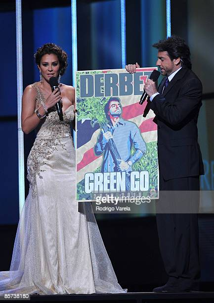 CORAL GABLES FL MARCH 26 Ninel Conde and Eugenio Derbez on stage at the Premio Lo Nuestro at Bank United Center on MArch 26 2009 in Coral Gables...