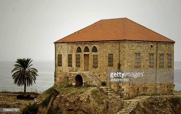 A nineteenth century house still standing near the Crusaders' Citadel in the Lebanese ancient port city of Byblos on August 10 2010 AFP PHOTO/JOSEPH...