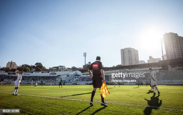 Nino Paraiba of Ponte Preta in action during the match between Ponte Preta and Palmeiras as a part of Campeonato Brasileiro 2017 at Moises Lucarelli...