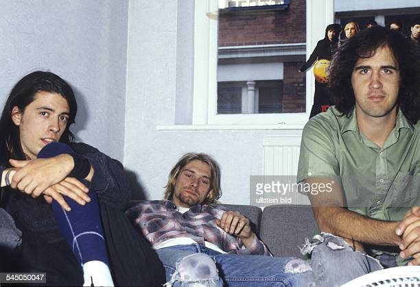 Nirvana Band Grunge USA From left Dave Grohl Kurt Cobain Krist Novoselic during an interview in London UK