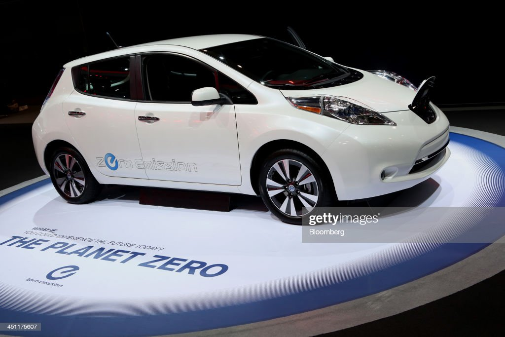A Nissan Motor Co. Leaf zero emission vehicle is displayed during the LA Auto Show in Los Angeles, California, U.S., on Thursday, Nov. 21, 2013. The 2013 LA Auto Show is open to the public Nov. 22 - Dec. 1. Photographer: Jonathan Alcorn/Bloomberg via Getty Images