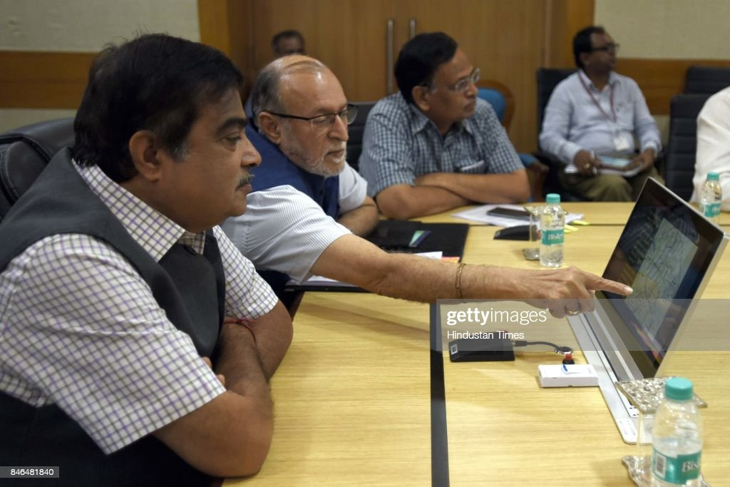 Nitin Gadkari, Minister of Road Transport & Highways, Shipping and Water Resources, River Development and Ganga Rejuvenation, Anil Baijal, Lieutenant Governor of Delhi, Delhi Health Minister Satyendra Kumar Jain and Delhi MPs attend the meeting along with Irrigation/Environment Ministers of Haryana and UP, on decongestion of Delhi & issues relating to Yamuna projects at Transport Bhawan, on September 13, 2017 in New Delhi, India.