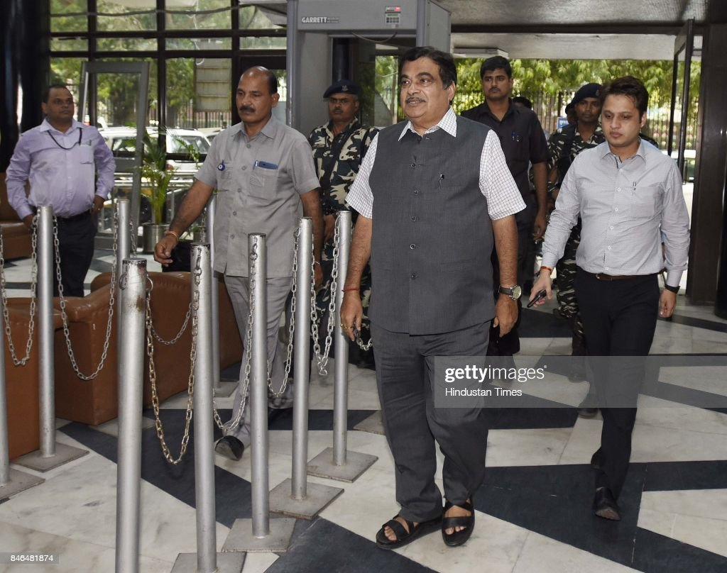 Nitin Gadkari, Minister of Road Transport & Highways, Shipping and Water Resources, River Development and Ganga Rejuvenation, arrives to attend the meeting along with Irrigation/Environment Ministers of Haryana and UP, on decongestion of Delhi & issues relating to Yamuna projects at Transport Bhawan, on September 13, 2017 in New Delhi, India.