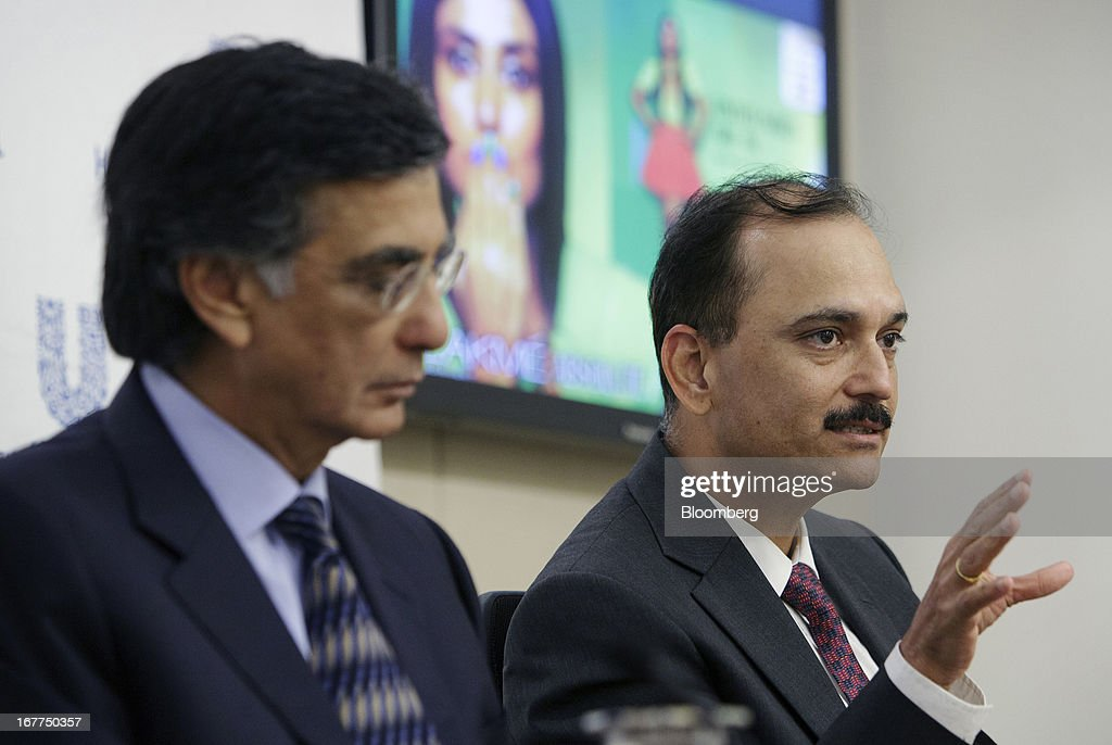 Nitin Paranjpe, managing director and chief executive officer of Hindustan Unilever Ltd., right, speaks while Harish Manwani, chairman of Hindustan Unilever Ltd. and chief operating officer of Unilever NV, listens during Hindustan Unilever Ltd.'s earnings news conference in Mumbai, India, on Monday, April 29, 2013. Hindustan Unilever, the Indian unit of the world's second-biggest consumer-goods company, rose the most in nine months in Mumbai trading after fourth-quarter profit beat analysts estimates. Photographer: Kuni Takahashi/Bloomberg via Getty Images