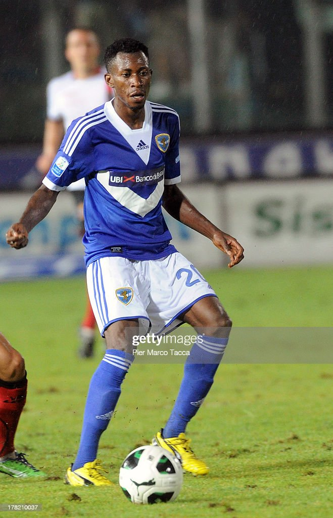 Nnamdi Oduamadi of Brescia controls the ball during the Serie B match between Brescia Calcio and Virtus Lanciano at Mario Rigamonti Stadium on August 24, 2013 in Brescia, Italy.