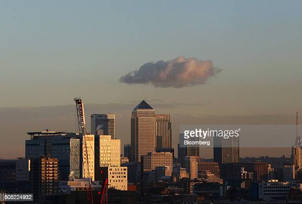 No 1 Canada Square center stands surrounded by the offices of global financial institutions including HSBC Holdings Plc Citigroup Inc and JPMorgan...
