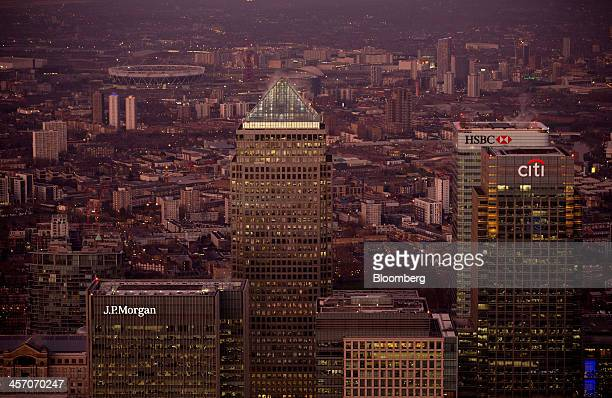 No 1 Canada Square stands surrounded by the offices of global financial institutions including HSBC Holdings Plc Citigroup Inc and JPMorgan Chase Co...