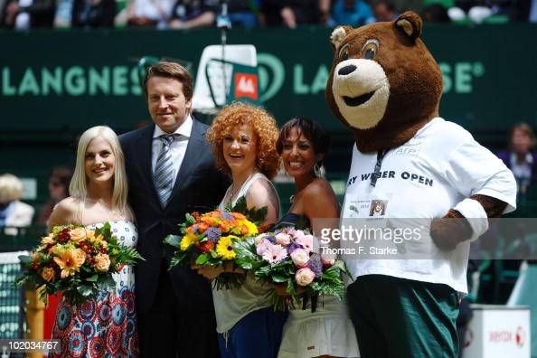 'No Angels' singer Jessica torunament director Ralf Weber singers Sandy Lucy and GWO mascot 'Gerry Berry' pose during the Gerry Weber Open at the...