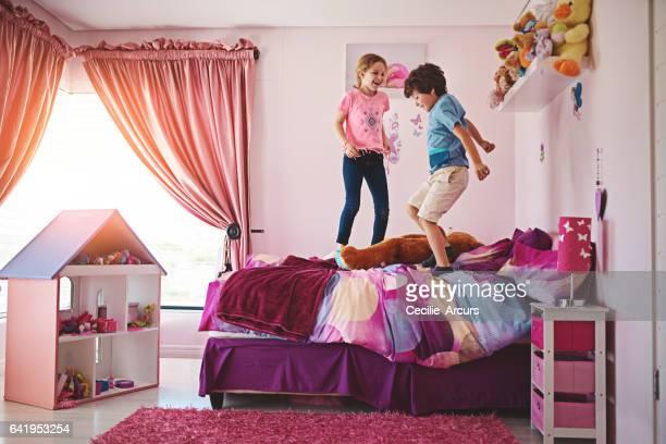 No hay mayor alegría que saltando en una cama