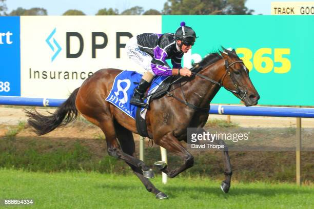 No Intention ridden by Craig Robertson wins the Royal Hotel FM 0 58 Handicap on December 09 2017 in Benalla Australia