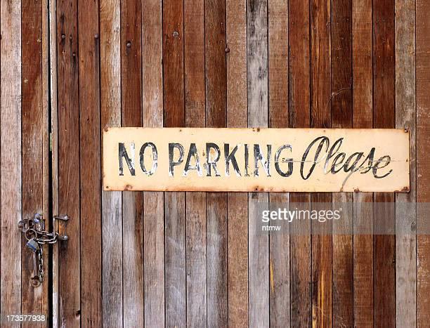 Keine Parkplätze Grunge