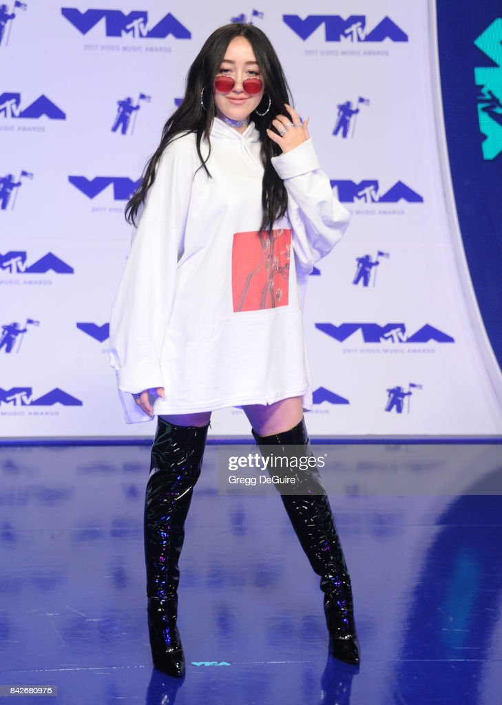Noah Cyrus arrives at the 2017 MTV Video Music Awards at The Forum on August 27, 2017 in Inglewood, California.