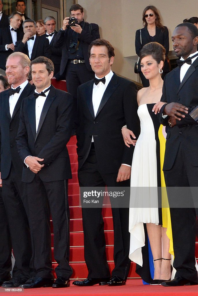 Noah Emmerich, director Guillaume Canet, actor Clive Owen, actress Marion Cotillard and actor Jamie Hector attend the Premiere of 'Blood Ties' during the 66th Annual Cannes Film Festival at the Palais des Festivals on May 20, 2013 in Cannes, France. (Photo by Foc Kan/FilmMagic
