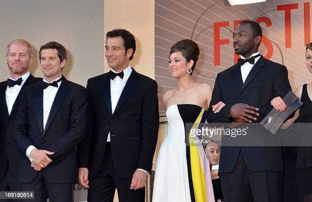 Noah Emmerich director Guillaume Canet actor Clive Owenand actress Marion Cotillard and actor Jamie Hector attend the Premiere of 'Blood Ties' during...