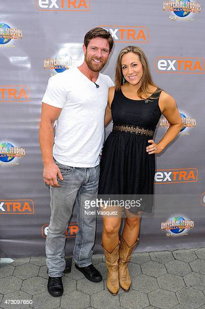 Noah Galloway and his fiance Jamie Boyd visit 'Extra' at Universal Studios Hollywood on May 12 2015 in Universal City California