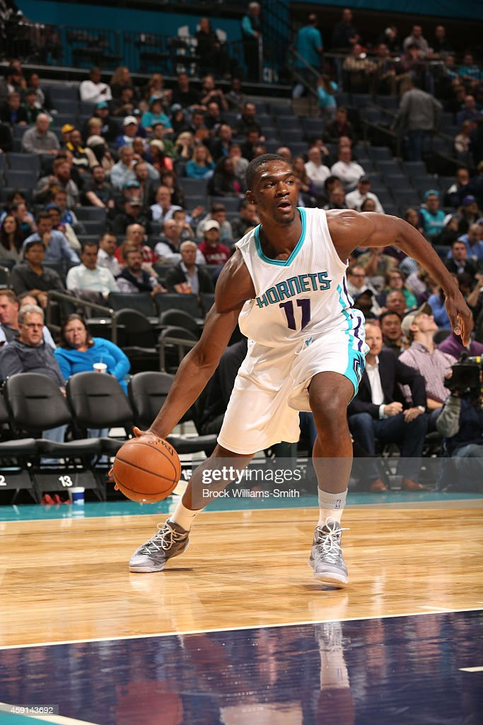 <a gi-track='captionPersonalityLinkClicked' href=/galleries/search?phrase=Noah+Vonleh&family=editorial&specificpeople=9612442 ng-click='$event.stopPropagation()'>Noah Vonleh</a> #11 of the Charlotte Hornets drives against the Dallas Mavericks during the game at the Time Warner Cable Arena on November 17, 2014 in Charlotte, North Carolina.