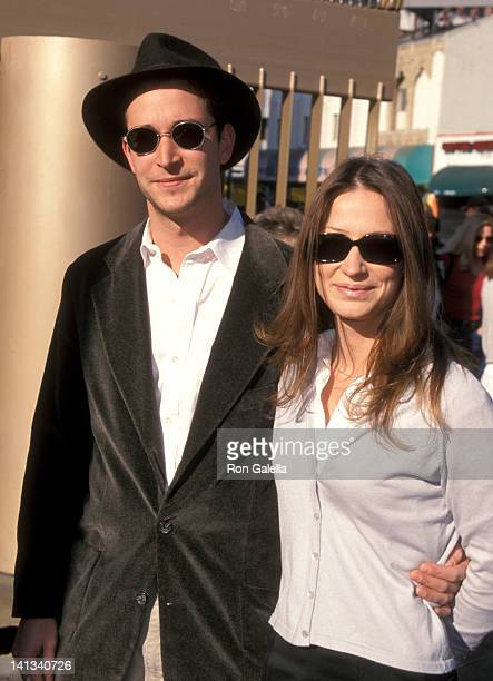 Noah Wyle and Tracy Warbin at the Premiere of 'My Dog Skip' Egyptian Theatre Hollywood