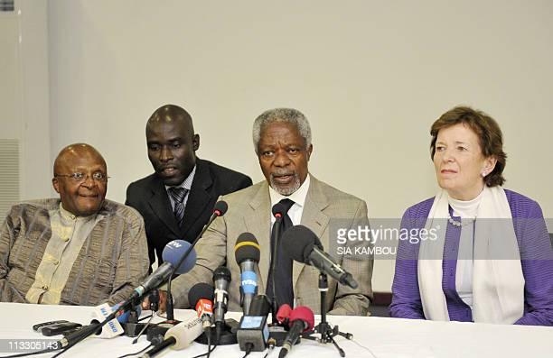 Nobel laureate Desmond Tutu former UN chief Kofi Annan and former Irish president Mary Robinson take part in a press conference after a meeting with...