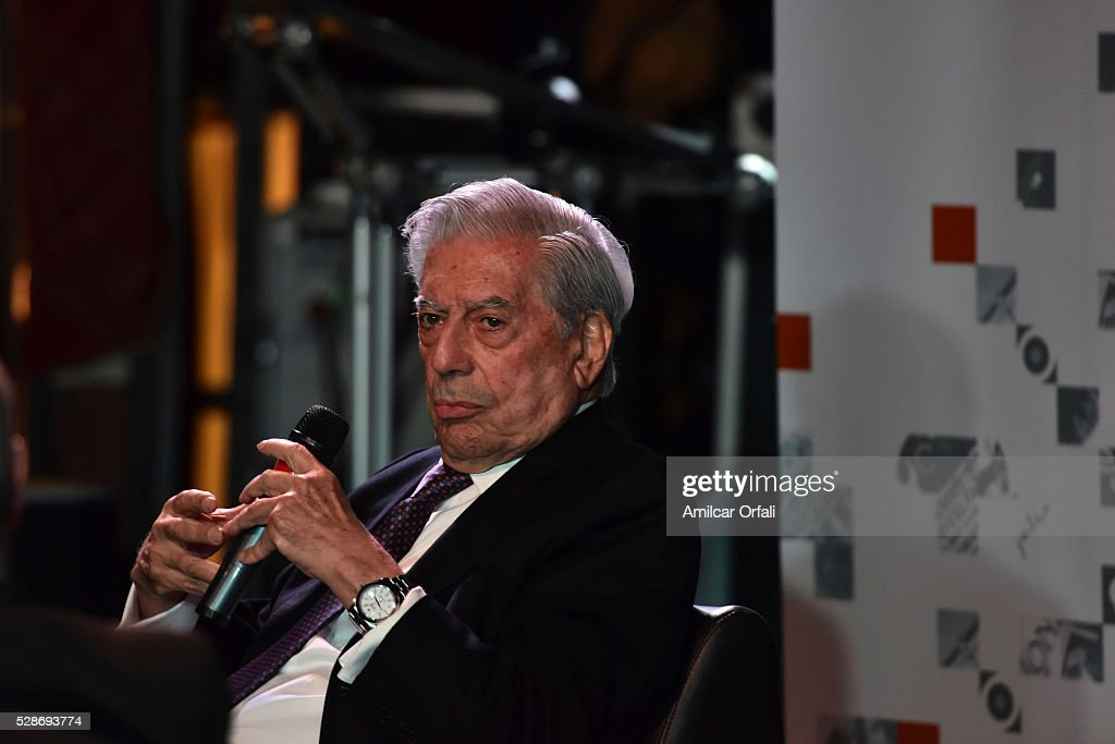 """Nobel Laureate of Literature Mario Vargas Llosa speaks during a conference to present his book """"Cinco esquinas"""" as part of Buenos Aires International Book Fair at La Rural on May 06, 2016 in Buenos Aires, Argentina."""