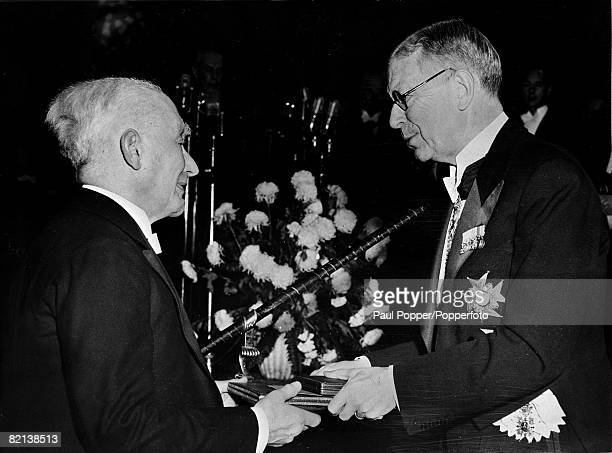 11th December 1954 King Gustaf of Sweden presents the Nobel Prize for Physics to Professor Max Born
