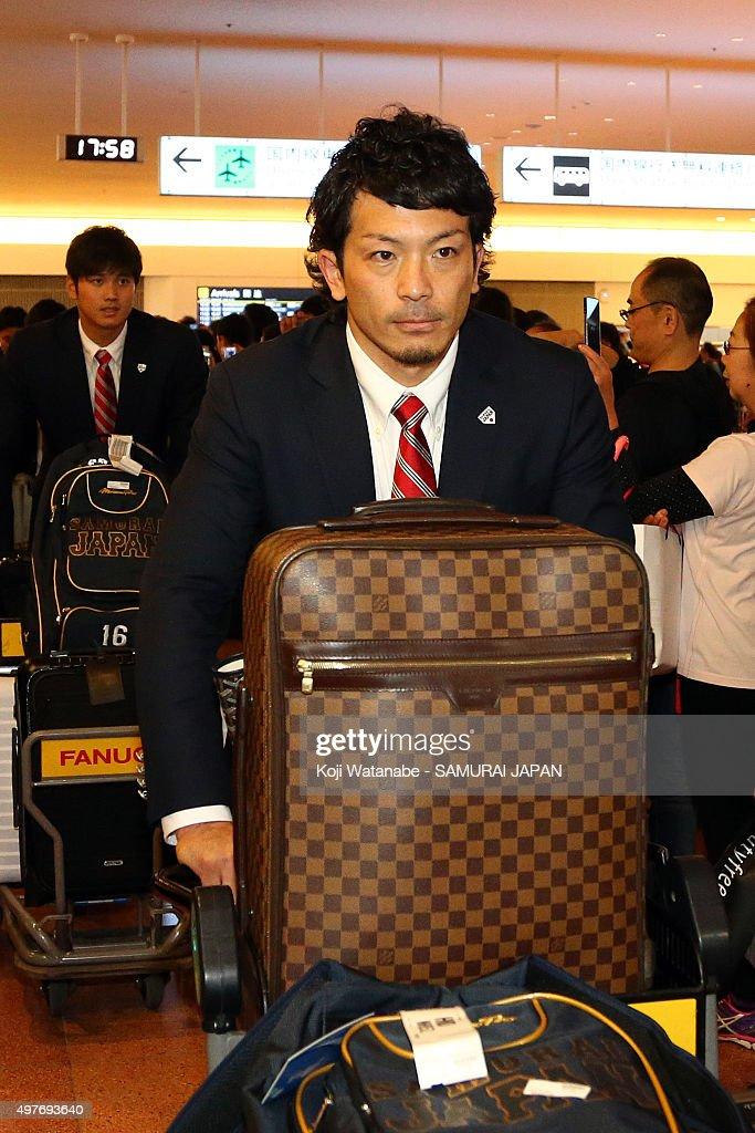 Nobuhiro Matsuda of Japan arrives at Haneda airport ahead of the WBSC Premier 12 semi final match against South Korea at the Tokyo Dome on November...
