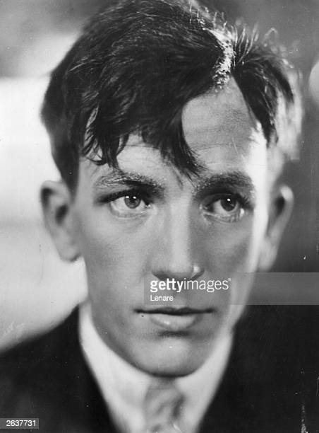 Noel Coward English actor playwright producer and composer at the age of 26