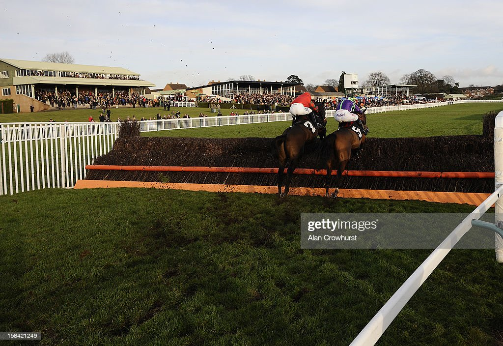 <a gi-track='captionPersonalityLinkClicked' href=/galleries/search?phrase=Noel+Fehily&family=editorial&specificpeople=241420 ng-click='$event.stopPropagation()'>Noel Fehily</a> riding No No Bingo (R) clear the last to win The C Stanley Jones Handicap Steeple Chase during the last meeting to be held at Hereford racecourse after 241 years of racing on December 16, 2012 in Hereford, England.