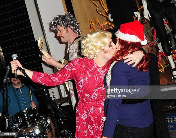 Noel fielding attend Stella McCartney Boutique Christmas Lights switch on November 23 2009 in London England