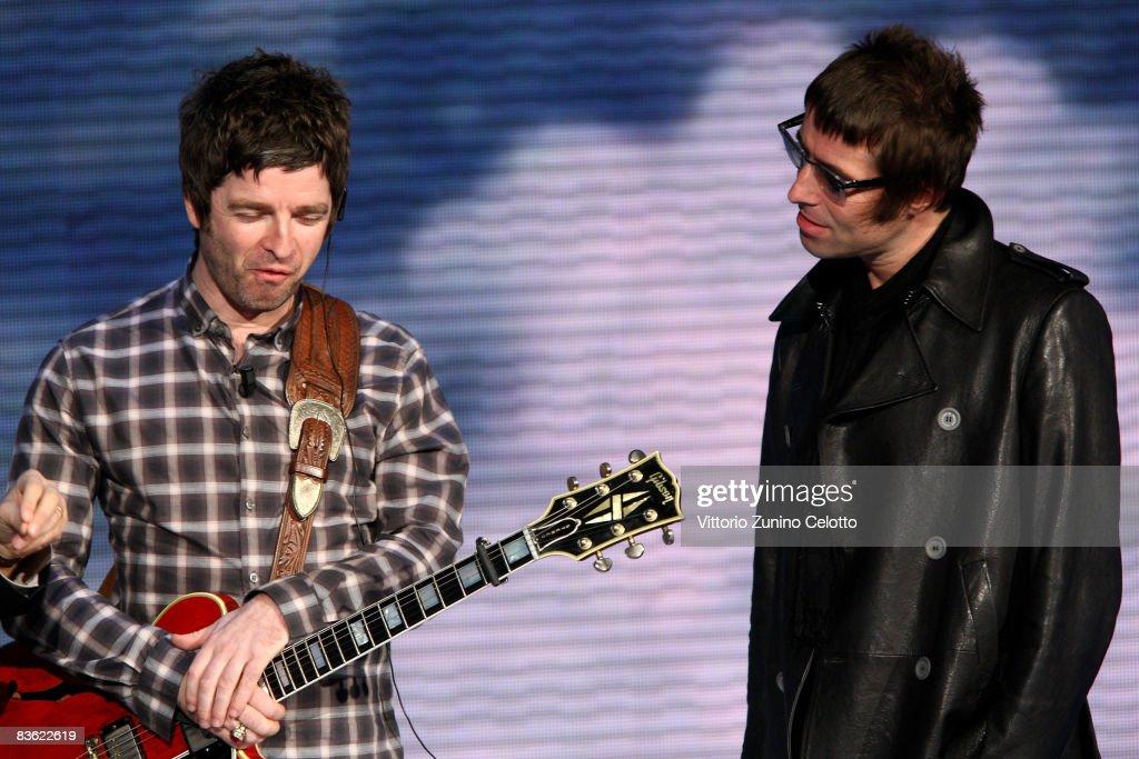 Noel Gallagher and Liam Gallagher 'Che Tempo Che Fa' Italian TV Show on November 9, 2008 in Milan, Italy.